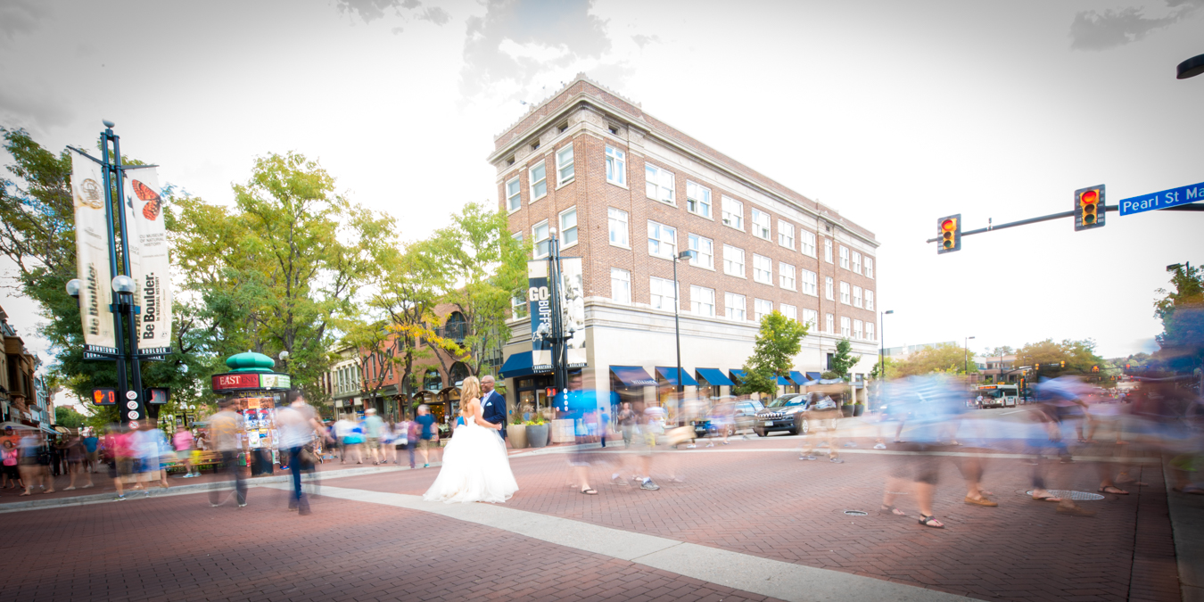 boulder-pearl-st-artistic-middle-of-street-blur